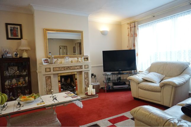 Lounge of Curlew Crescent, Basildon SS16