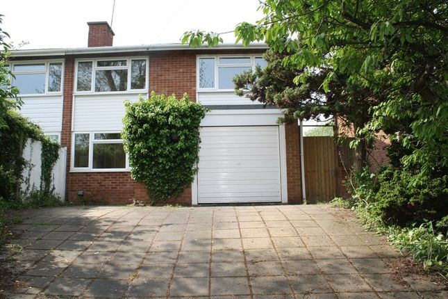 Thumbnail Semi-detached house to rent in Colemans Moor Road, Woodley, Reading