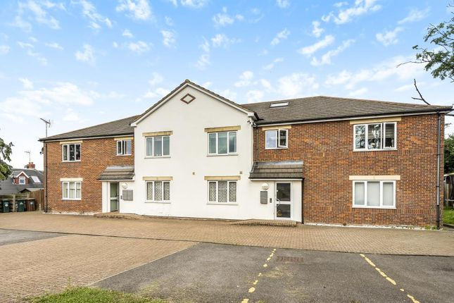 Thumbnail Flat for sale in Watford, Hertfordshire