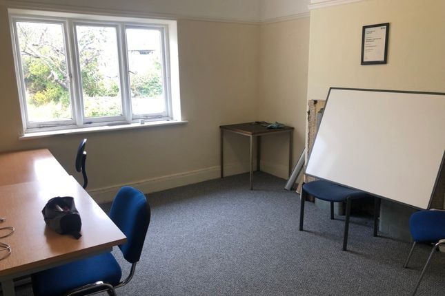 Thumbnail Flat to rent in Gower Road, Killay, Swansea