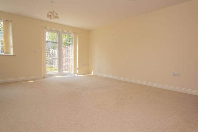 Reception of Reading Road, Burghfield Common, Reading RG7