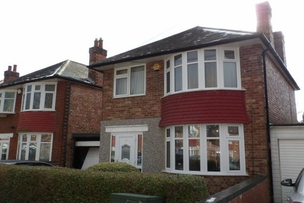 Thumbnail Detached house to rent in Russell Crescent, Wollaton, Nottingham