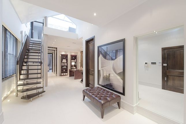 Thumbnail Flat to rent in Queen's Terrace, St John's Wood, London