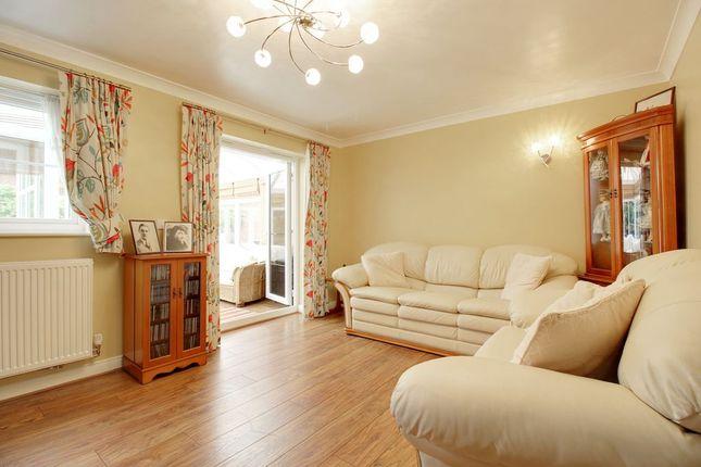 Living Room of Foskett Way, Aylesbury HP21