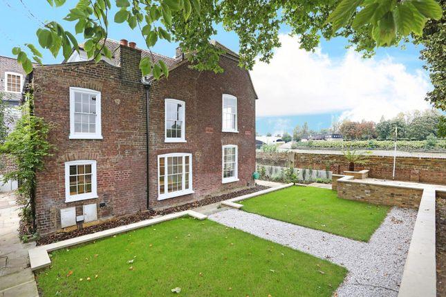 Thumbnail Property to rent in Thames Bank, Mortlake, London