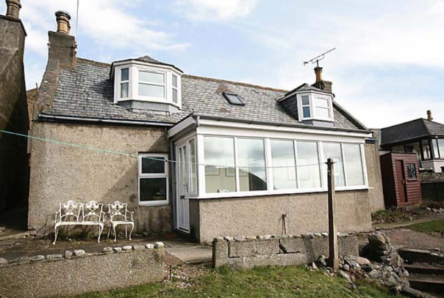 Thumbnail Cottage to rent in The Cliff, Collieston AB41,