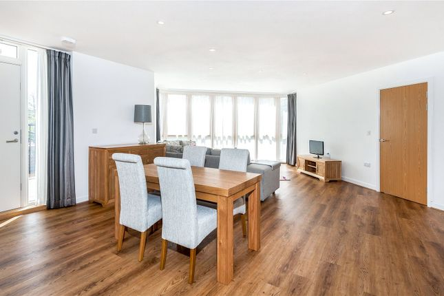 Thumbnail Flat for sale in Hannover Quay, Bristol