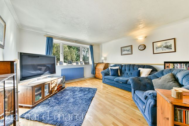 3 bed flat for sale in Roman Close, Feltham TW14