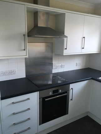 2 bed flat to rent in Jupps Lane, Goring By Sea BN12