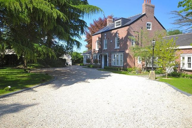 Thumbnail Flat to rent in The Kings, Pymgate House, Styal Road