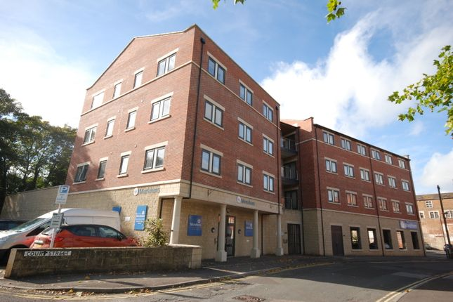 2 bed flat for sale in Fortescue House, Trowbridge, Wiltshire