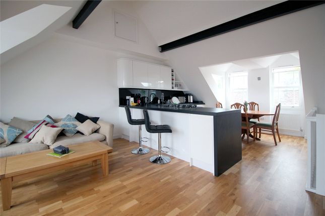 Thumbnail Flat to rent in High Street, East Grinstead, West Sussex