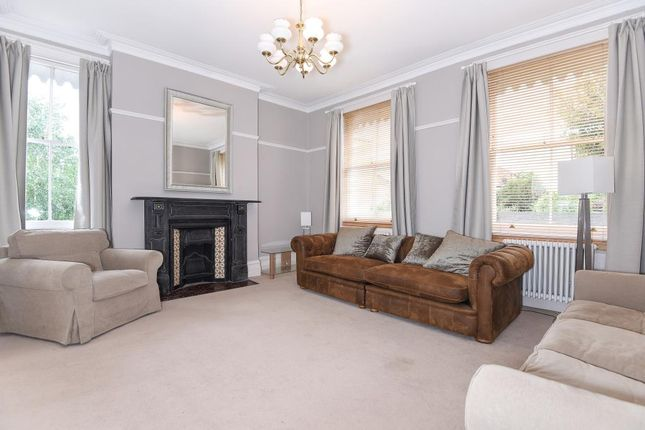Lounge of Coley Hill, Reading RG1