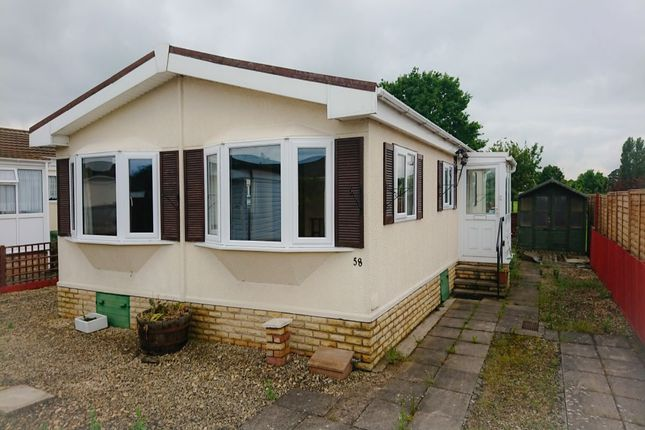 Bungalow for sale in Badgers Lane, Broadway Park Homes, Broadway