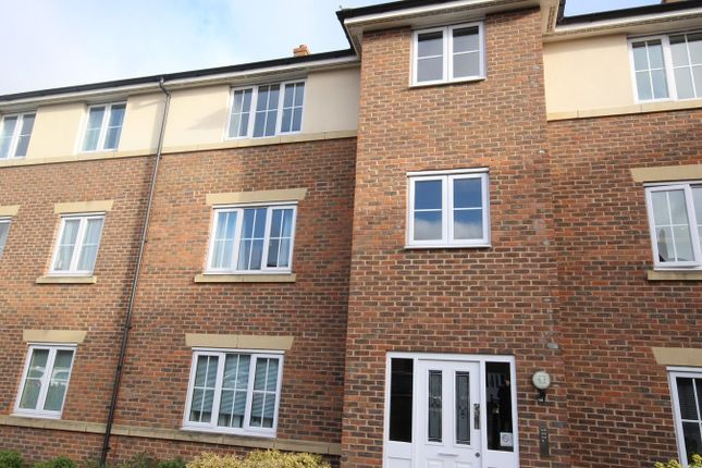 Thumbnail Flat to rent in The Hawthorns, Flitwick