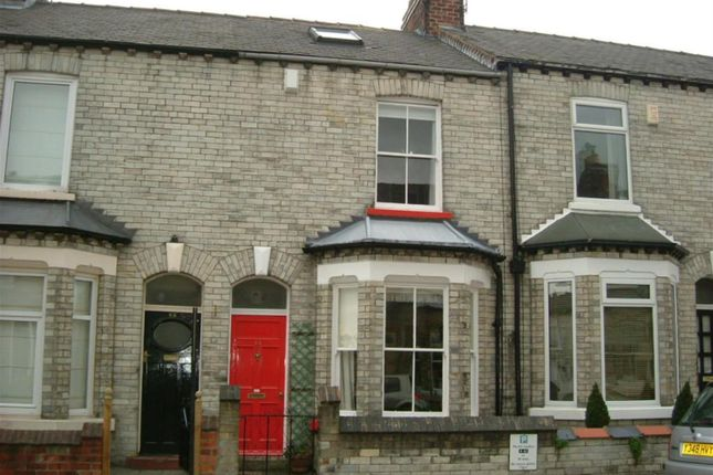 Thumbnail Terraced house to rent in Russell Street, York