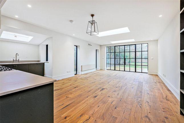 Thumbnail Flat to rent in Hamilton Road, Ealing, London