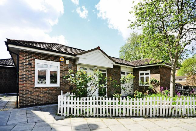 Thumbnail Bungalow to rent in Mallard Close, Hackney Wick