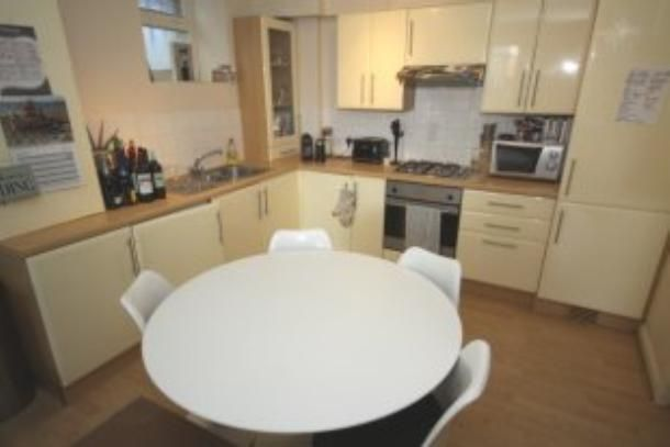 Thumbnail Flat to rent in Kidbrooke Grove, Blackheath