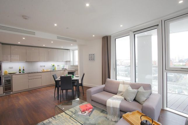 Thumbnail Flat to rent in Malthouse Road, Vauxhall, London