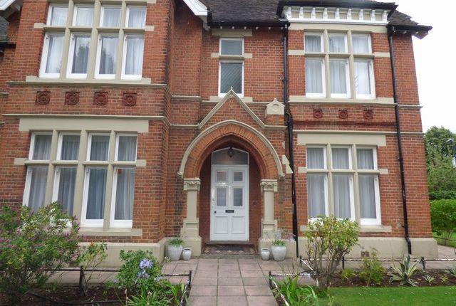 Thumbnail Flat to rent in Haven Green, Ealing