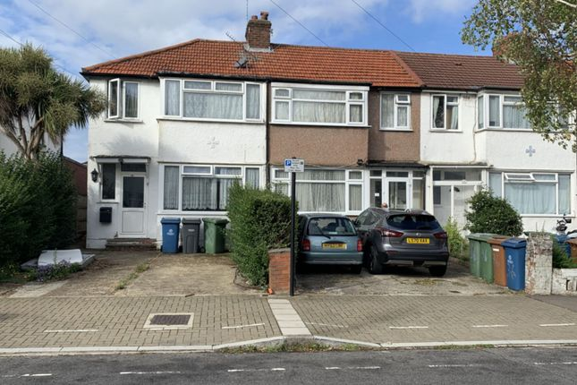 2 bed terraced house to rent in Reynolds Drive, Queensbury HA8