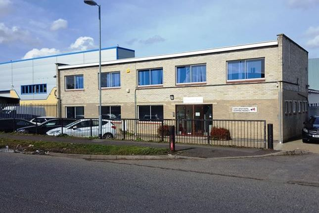 Thumbnail Office to let in Ellencroft House, Harvey Road, Burnt Mills Industrial Estate, Basildon, Essex