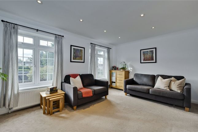 Picture No. 32 of Hillcrest, Weybridge, Surrey KT13