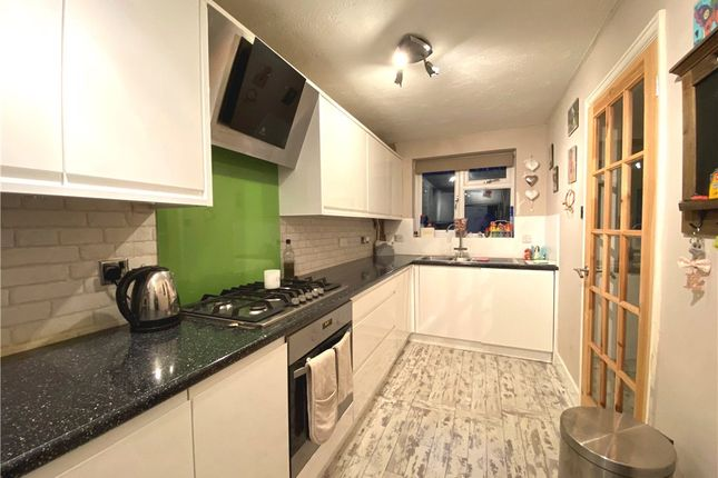 Kitchen 01 of Chamomile Gardens, Farnborough, Hampshire GU14