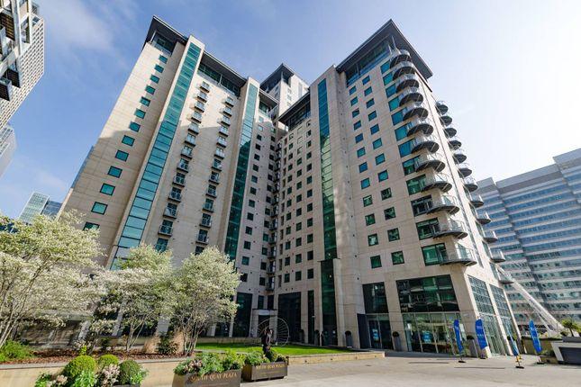 Discovery Dock Apartments, Canary Wharf, London E14