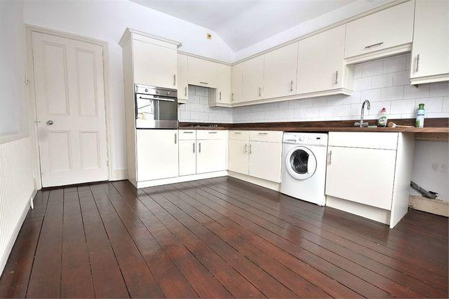3 bed flat to rent in Abington Avenue, Northampton NN1