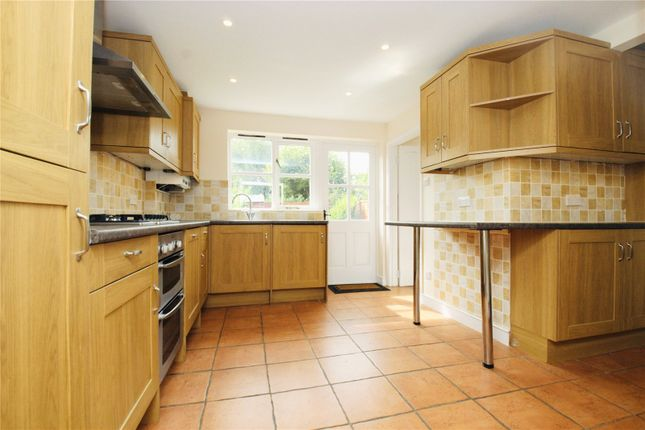 Picture No. 22 of Ramblers Cottage, Bucks Hill, Kings Langley, Hertfordshire WD4