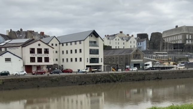 Office to let in Quayside, Carmarthen