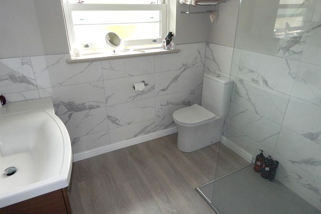 En Suite of Caswell Road, Caswell Bay, Swansea SA3