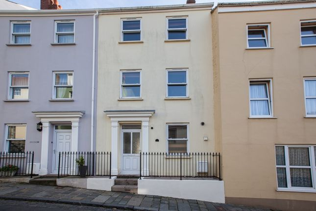 Thumbnail Town house to rent in Allez Street, St. Peter Port, Guernsey