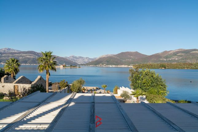 Thumbnail Villa for sale in Waterfront Villa With Private Beach, Kaludjerovina, Tivat, Montenegro