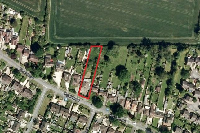 Thumbnail Land for sale in The Moors, Kidlington