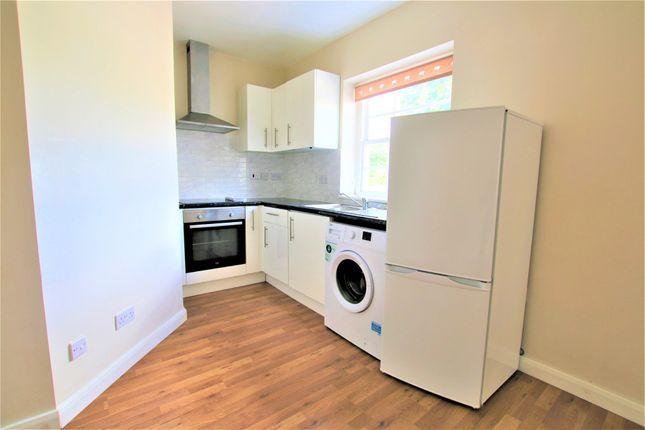 Thumbnail Flat to rent in High Street, Colnbrook, Slough