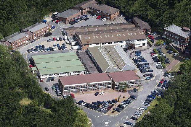 Office to let in Lansbury Business Estate, 102 Lower Guildford Road, Knaphill, Woking