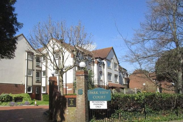 Thumbnail Flat to rent in Queens Park West Drive, Bournemouth