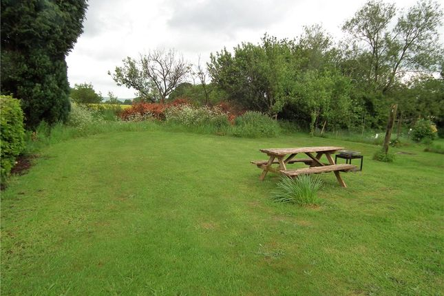 Picture No. 16 of The Terrace, Bottlesford, Pewsey, Wiltshire SN9