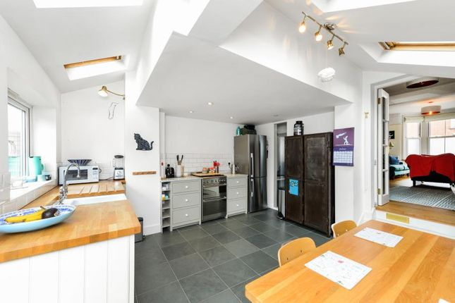 Thumbnail Terraced house for sale in Brook Road South, Brentford