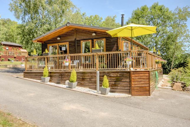 Thumbnail Mobile/park home for sale in Pen-Y-Ghent, Skipton