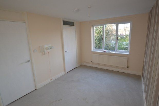 Thumbnail Flat to rent in Eyre Gardens, Chesterfield