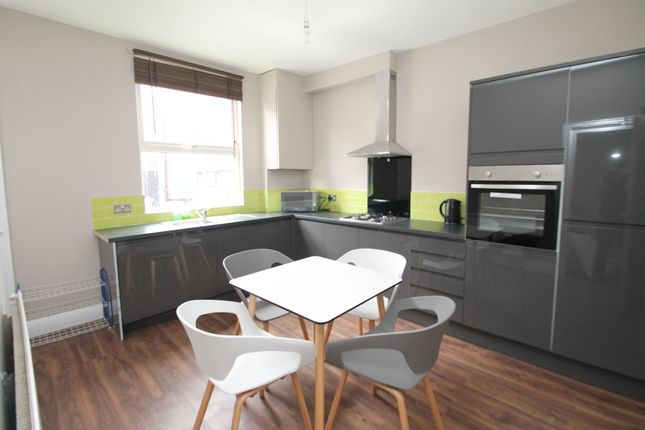 Thumbnail Terraced house to rent in Norwood Place, Hyde Park, Leeds