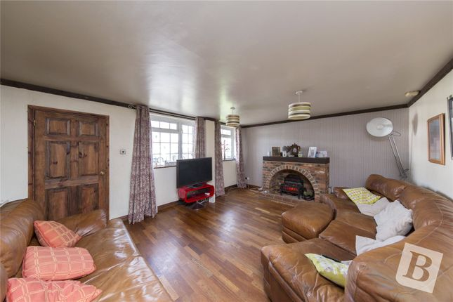 4 bed end terrace house for sale in Tangmere Crescent, Hornchurch