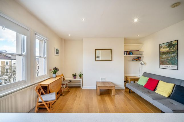 Thumbnail Flat for sale in Tufnell Park Road, London