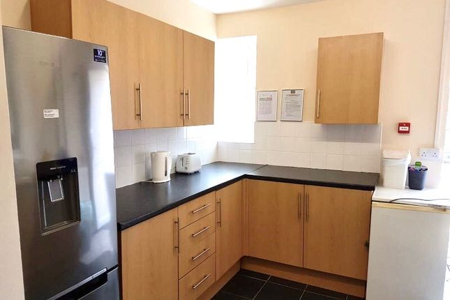 Thumbnail Shared accommodation to rent in 21 King Edward Road, Swansea