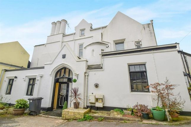 Thumbnail Flat to rent in Barton Road, Torquay