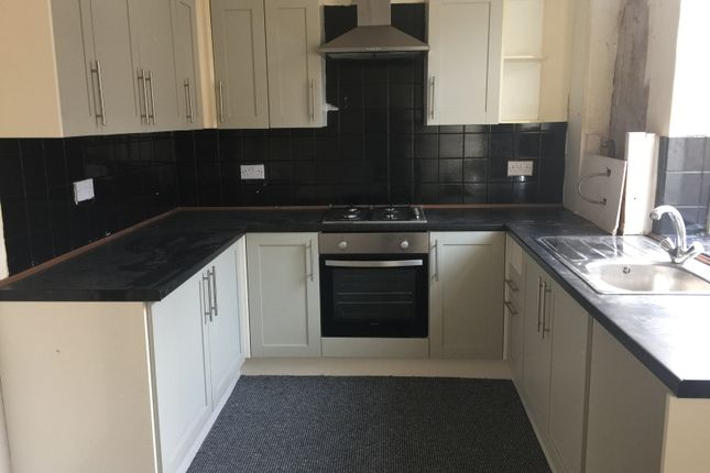 2 bed terraced house to rent in Randall Street, Burnley